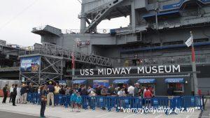Bao-tang-USS-Midway-3