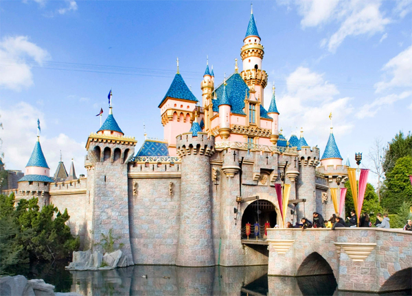 Khám phá Disneyland Los Angeles