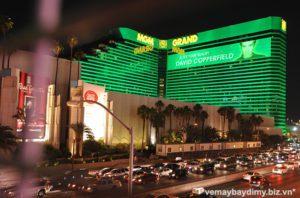 ve-may-bay-di-las-vegas-gia-re-MGM-Grand-Casino